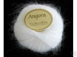 Angora_yarn_1