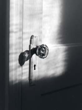 Scary_bathroom_door